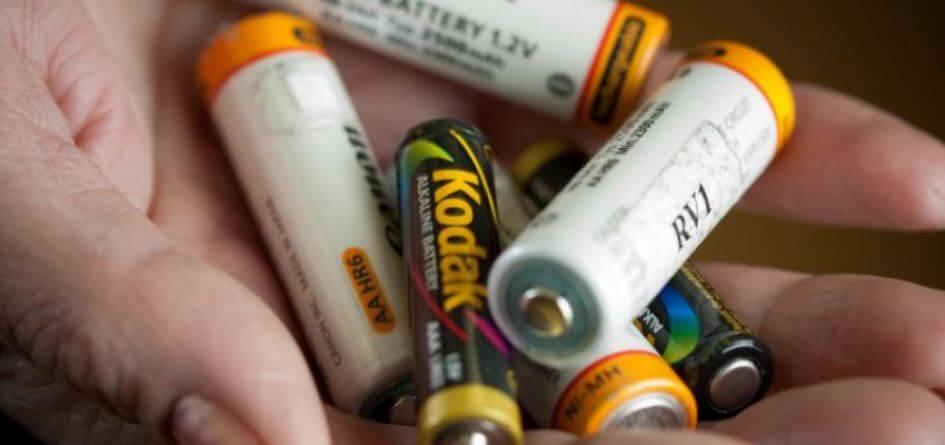 bateriju rusiavimas