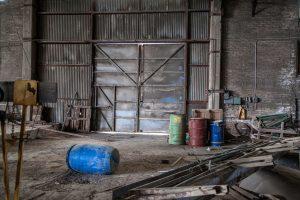 Statybinis laužas garaže